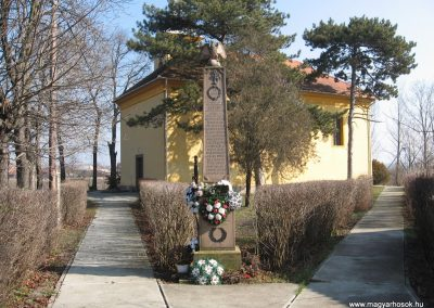 Egerlövő világháborús emlékmű 2008.02.20. küldő-Kályhás