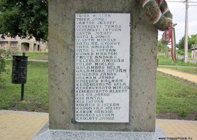 Egerszólát hősi emlékmű felújítás után 2014.07.14. küldő-kalyhas (10)