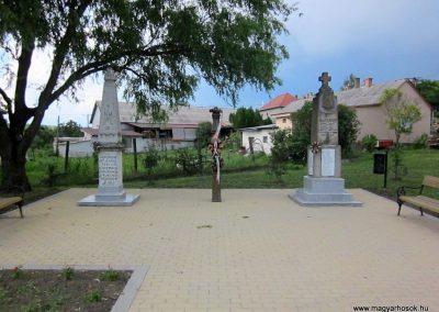 Egerszólát hősi emlékmű felújítás után 2014.07.14. küldő-kalyhas (2)