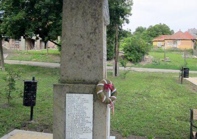Egerszólát hősi emlékmű felújítás után 2014.07.14. küldő-kalyhas (9)