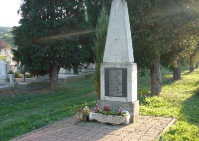 Egervár II.vh emlékmű 2009.09.25. küldő-Sümec (2)
