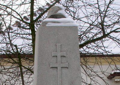 Egervölgy vh emlékmű 2007.12.31. küldő-Tamás2 (1)