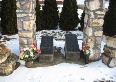 Egyházasdengeleg világháborús emlékmű 2010.01.26. küldő-kalyhas (1)