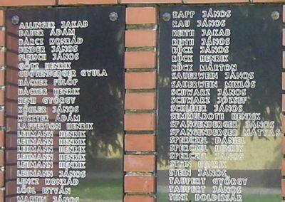 Egyházaskozár világháborús emlékmű 2006.05.09.küldő-Horváth Zsolt (2)