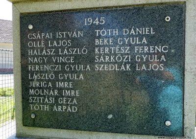 Ekecs világháborús emlékmű 2014.06.18. küldő-Méri (3)