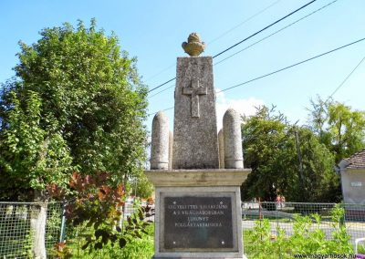 Ekecs világháborús emlékmű 2014.06.18. küldő-Méri (4)