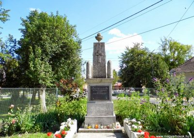 Ekecs világháborús emlékmű 2014.06.18. küldő-Méri