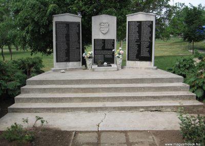 Emőd II.vh.emlékmű 2007.06.01. küldő-Kályhás (1)
