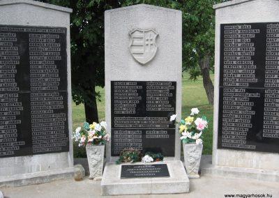 Emőd II.vh.emlékmű 2007.06.01. küldő-Kályhás (3)