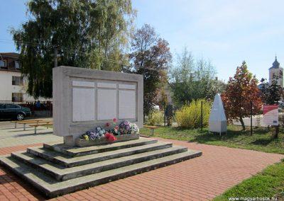 Encsencs világháborús emlékmű 2013.10.11. küldő-kalyhas (16)