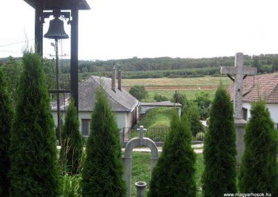 Eplény világháborús emlékmű 2010.07.24. küldő-kalyhas (4)