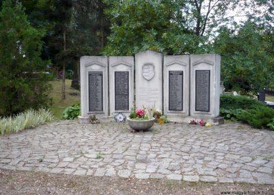Erdőbénye világháborús emlékmű 2010.08.21. küldő-Sümec