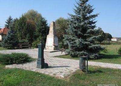 Erdőkürt világháborús emlékmű 2009.09.28. küldő-kalyhas