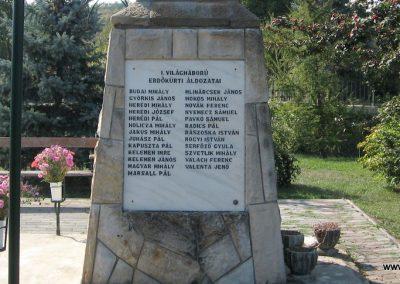 Erdőkürt világháborús emlékmű 2009.09.28. küldő-kalyhas (7)