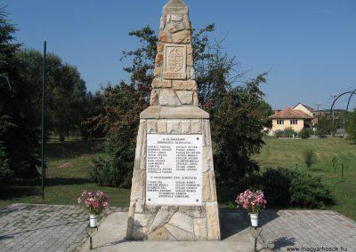 Erdőkürt világháborús emlékmű 2009.09.28. küldő-kalyhas (8)