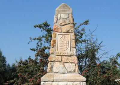 Erdőkürt világháborús emlékmű 2009.09.28. küldő-kalyhas (9)