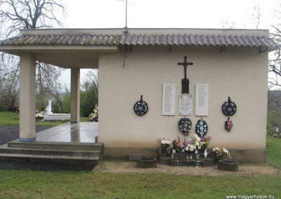 Erdőtarcsa világháborús emlékhely 2009.11.09. küldő-kalyhas