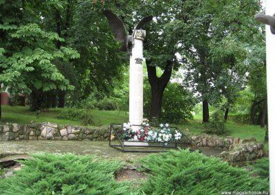 Erk II.vh emlékmű 2008.07.15. küldő-kalyhas