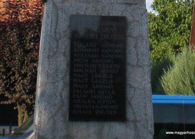 Eszeny világháborús emlékmű 2009.06.19.küldő-miki (8)