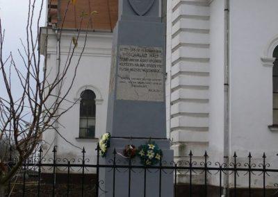 Esztár I.vh emlékmű 2010.11.28. küldő-Katona István (1)