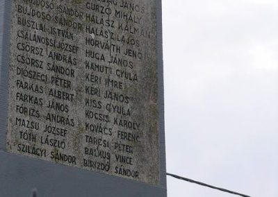 Esztár I.vh emlékmű 2010.11.28. küldő-Katona István (4)