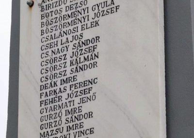 Esztár II.vh emlékmű 2010.11.28. küldő-Katona István (2)