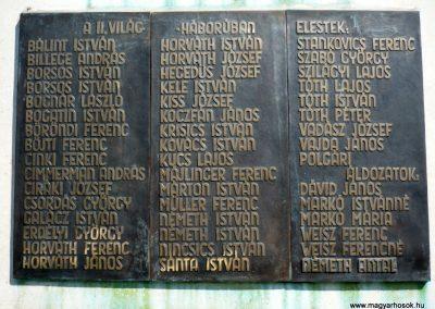 Eszteregnye világháborús emlékmű 2010.07.14. küldő-Sümec (5)
