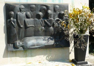 Eszteregnye világháborús emlékmű 2010.07.14. küldő-Sümec (8)