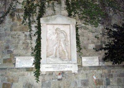Esztergom A 14. Honvéd Gyalogezred I. világháborús emlékműve 2013.09.08. küldő-Méri (4)