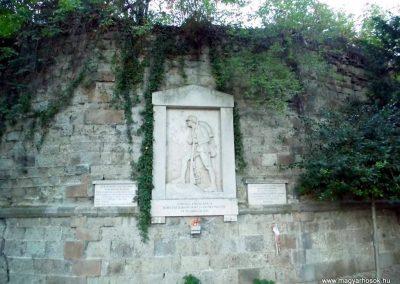Esztergom A 14. Honvéd Gyalogezred I. világháborús emlékműve 2013.09.08. küldő-Méri