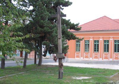 Esztergom II.vh.emlékoszlop 2007.09.16.küldő-Kályhás