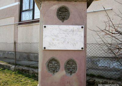 Etes I.vh emlékmű 2011.03.12. küldő-kalyhas (1)