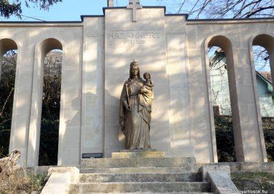 Etyek I. világháborús emlékmű felújítás után 2019.03.23. köldő-Bóta Sándor