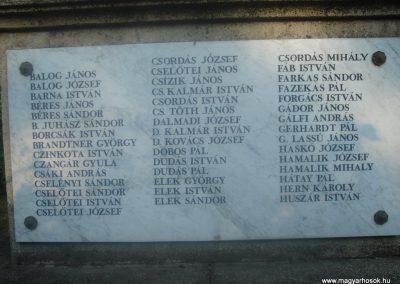 Fót I.vh emlékmű 2008.05.16. küldő-Huszár Peti (4)
