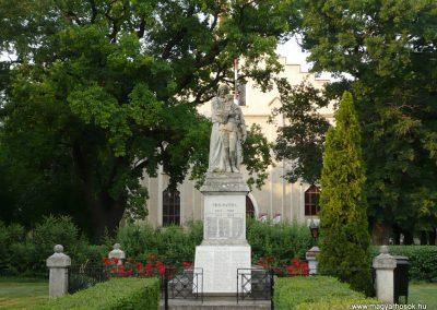 Földeák világháborús emlékmű 2014.05.24. küldő-Sümec (10)