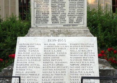 Földeák világháborús emlékmű 2014.05.24. küldő-Sümec (11)