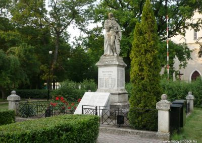 Földeák világháborús emlékmű 2014.05.24. küldő-Sümec (14)