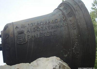 Földes II.vh emlékmű 2009.05.16.küldő-Huszár Peti (1)
