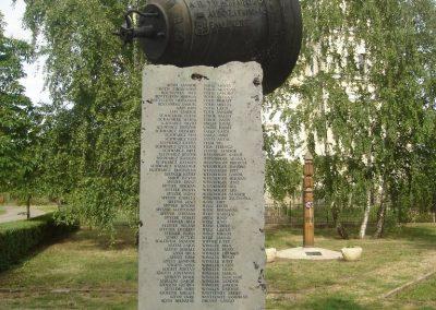 Földes II.vh emlékmű 2009.05.16.küldő-Huszár Peti