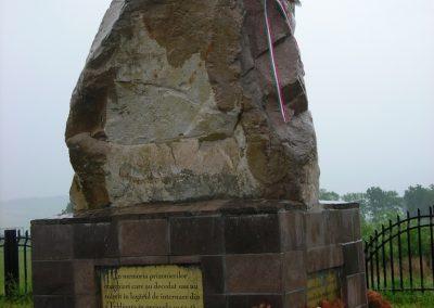 Földvár-Fogolytáborban elhunyt katonák emlékműve 2007.12.07.küldő-Nagy Zsolt (2)