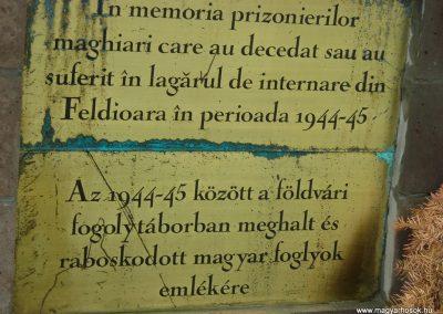 Földvár-Fogolytáborban elhunyt katonák emlékműve 2007.12.07.küldő-Nagy Zsolt (3)