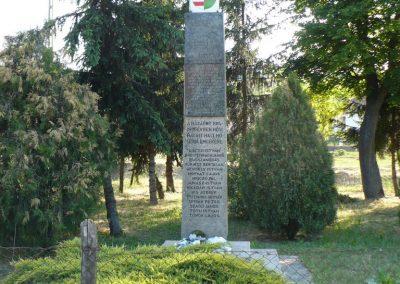 Fúlókércs világháborús emlékmű 2009.05.21.küldő-Gombóc Arthur (1)