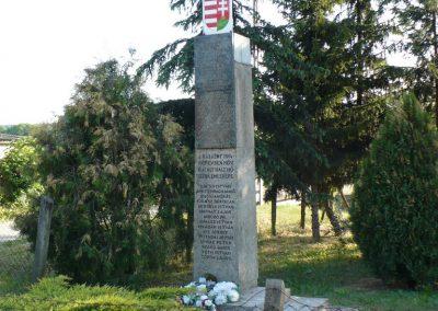 Fúlókércs világháborús emlékmű 2009.05.21.küldő-Gombóc Arthur