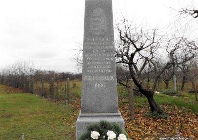 Fülpösdaróc világháborús emlékmű 2014.11.22. küldő-kalyhas (2)