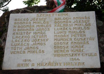 Füzér világháborús emlékművek 2011.08.09. küldő-megtorló (2)