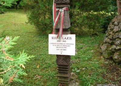 Füzér világháborús emlékművek 2011.08.09. küldő-megtorló (5)