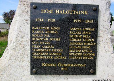 Füzérkomlós világháborús emlékmű 2012.08.18. küldő-kalyhas (4)