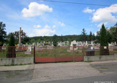 Füzérkomlós világháborús emlékmű 2012.08.18. küldő-kalyhas