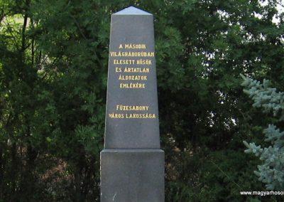 Füzesabony II.vh emlékmű 2007.06.14. küldő-kalyhas (1)