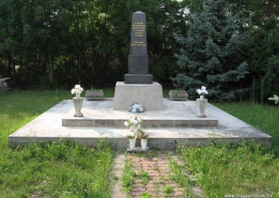 Füzesabony II.vh emlékmű 2007.06.14. küldő-kalyhas